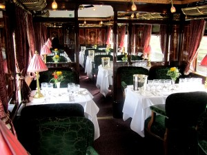 dining_car_orient_express_2